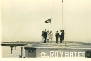 Michael Roy Joan And Penny Raising The Flag Resized Min